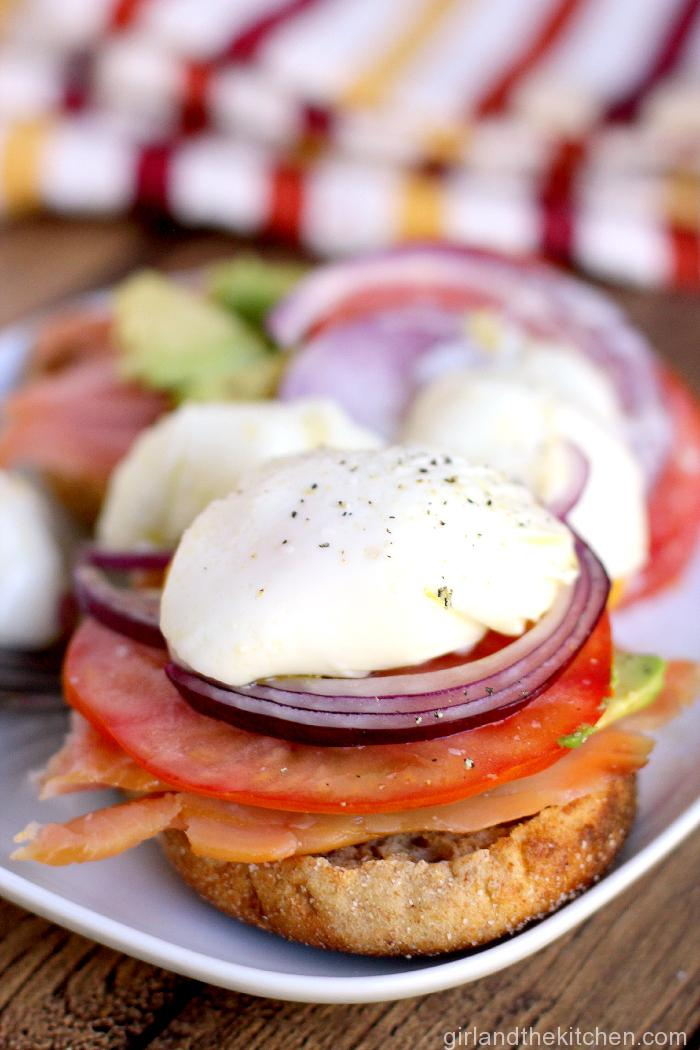 Poached-Eggs-with-Smoked-Salmon-8